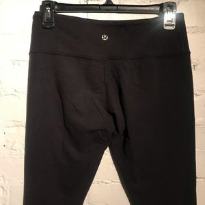 Lululemon Wunder Under Leggings, Black, Size 6
